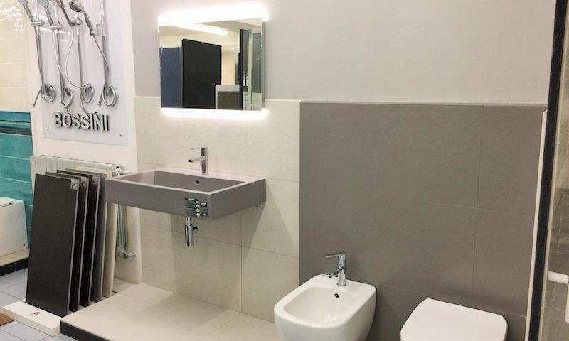 Arredamento per il bagno finitura resina con lavabo ceramica globo a torino edilcom fancelli - Sanitari bagno torino ...